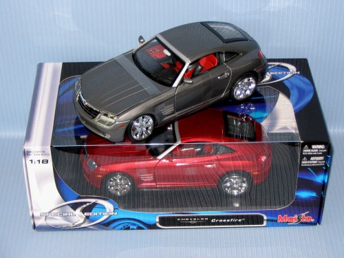 Maisto<br>1:18 CHRYSLER CROSSFIRE
